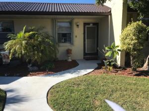 207 Lake Meryl Drive, West Palm Beach, FL 33411