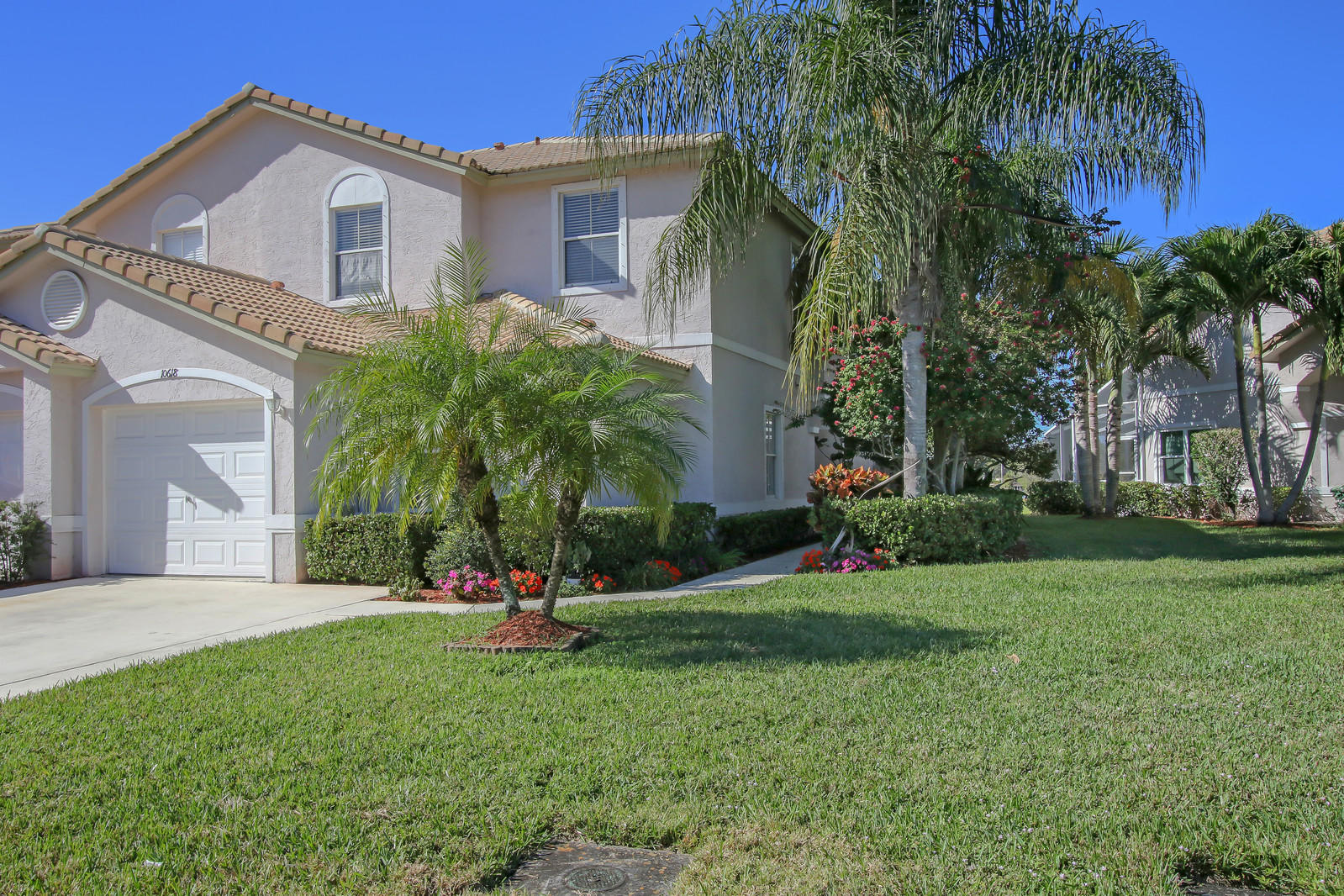 10618 Pelican Drive, Wellington, Florida 33414, 3 Bedrooms Bedrooms, ,2.1 BathroomsBathrooms,Townhouse,For Sale,Wellingtons Edge,Pelican,RX-10494607