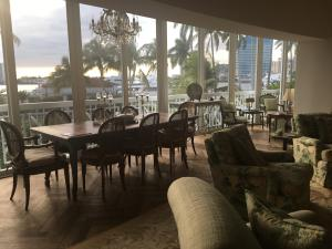 389 S Lake Drive, 2-B, Palm Beach, FL 33480