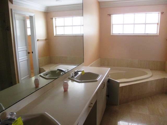 Wellington- Florida 33414, 3 Bedrooms Bedrooms, ,3 BathroomsBathrooms,Residential,For Sale,Pebblewood,RX-10496018