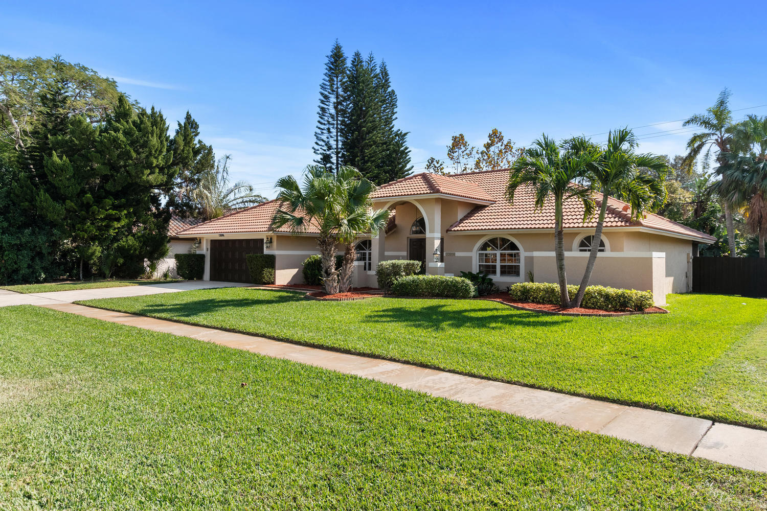 12898 Buckland Street, Wellington, Florida 33414, 4 Bedrooms Bedrooms, ,2 BathroomsBathrooms,Single Family,For Sale,Greenview Shores,Buckland,RX-10496450