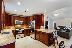922 SW 27th Terrace, Boynton Beach, FL 33435