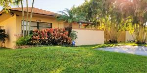 5262 Robbie Court, West Palm Beach, FL 33415