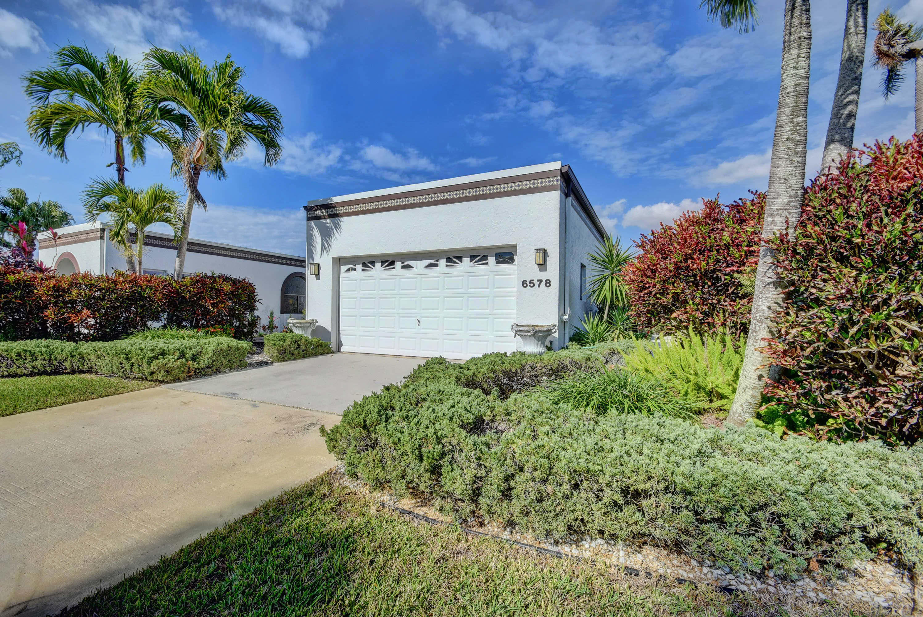 6578 Fountains Circle, Lake Worth, Florida 33467, 3 Bedrooms Bedrooms, ,2 BathroomsBathrooms,Single Family,For Sale,FOUNTAINS,Fountains,1,RX-10496606