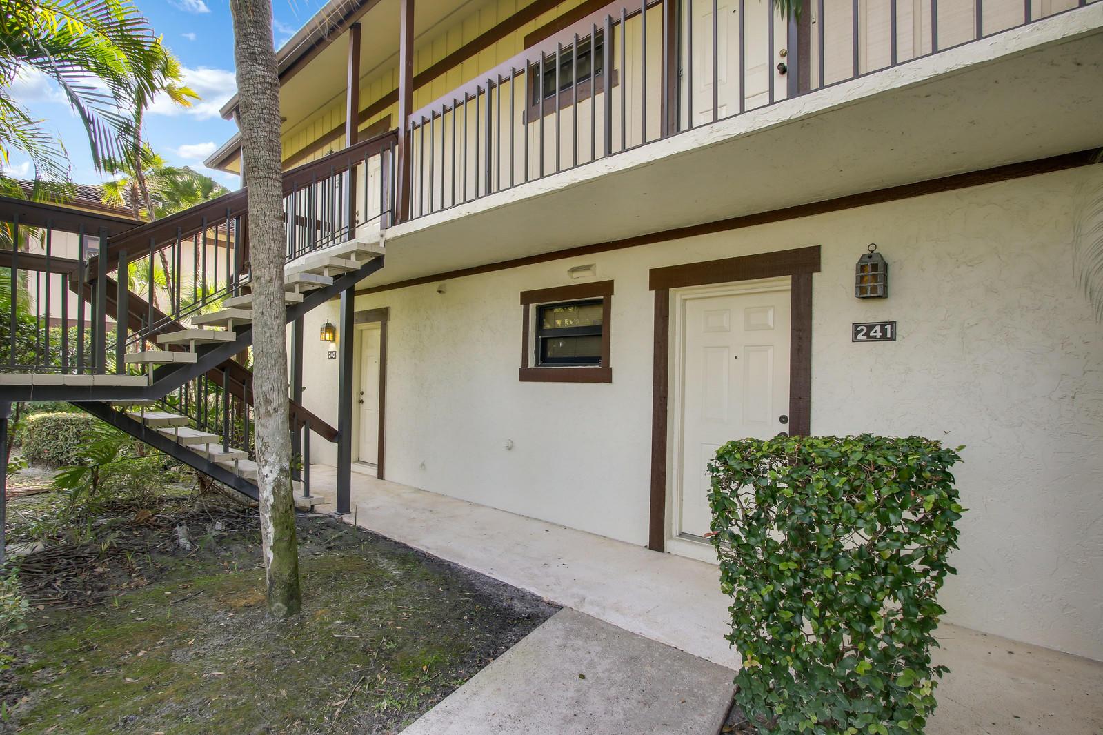 13334 Polo Club Road, Wellington, Florida 33414, 2 Bedrooms Bedrooms, ,2 BathroomsBathrooms,Condo/Coop,For Sale,Polo Club,1,RX-10496602