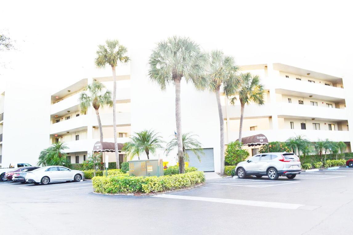 3138 Via Poinciana, Lake Worth, Florida 33467, 2 Bedrooms Bedrooms, ,2 BathroomsBathrooms,Condo/Coop,For Sale,Grandview,Via Poinciana,1,RX-10496661