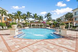 8310 Myrtlewood Circle W, Palm Beach Gardens, FL 33418