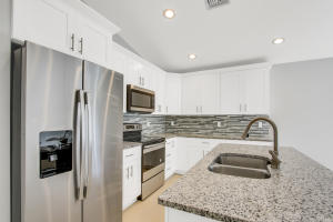 Open Concept, Granite Counter tops, Island, Stainless steel appliances