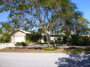 816 Cinnamon Road, North Palm Beach, FL 33408