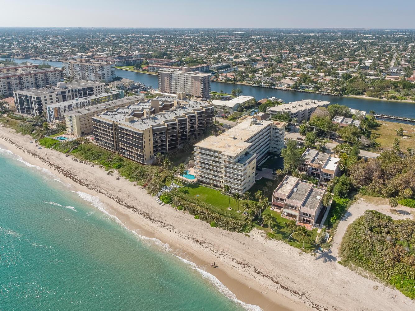1169 Hillsboro Mile, Hillsboro Beach, Florida 33062, 2 Bedrooms Bedrooms, ,2 BathroomsBathrooms,Condo/Coop,For Sale,Hillsboro Mile,519,RX-10497363