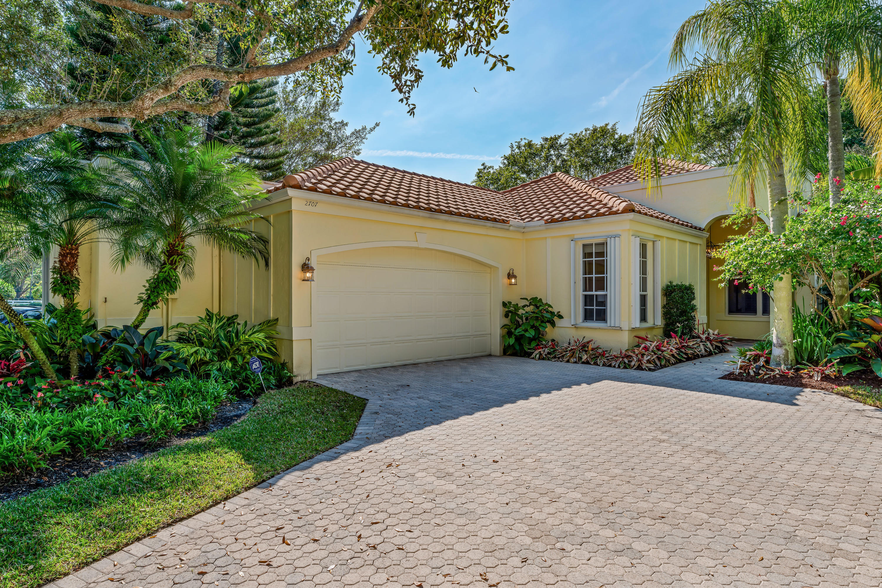2707 Players Court- Wellington- Florida 33414, 3 Bedrooms Bedrooms, ,3.1 BathroomsBathrooms,Single Family,For Sale,Palm Beach Polo Club & CC,Players,1,RX-10498662