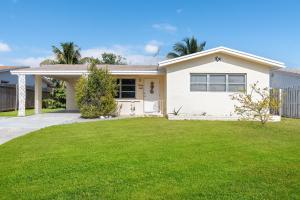 1007 Pine Tree Drive, Lantana, FL 33462