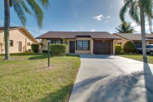 6080 Peachtree Lane, Greenacres, FL 33463