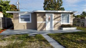 1199 Alto Road, Lake Worth, FL 33462