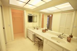 538 Forestview Drive Atlantis FL 33462