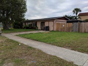 820 9th Street, Lake Park, FL 33403