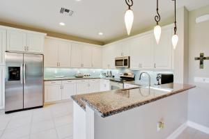 8104 Brigamar Isles Avenue, Boynton Beach, FL 33473