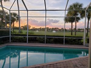 122 Sunset Cove Lane, Palm Beach Gardens, FL 33418