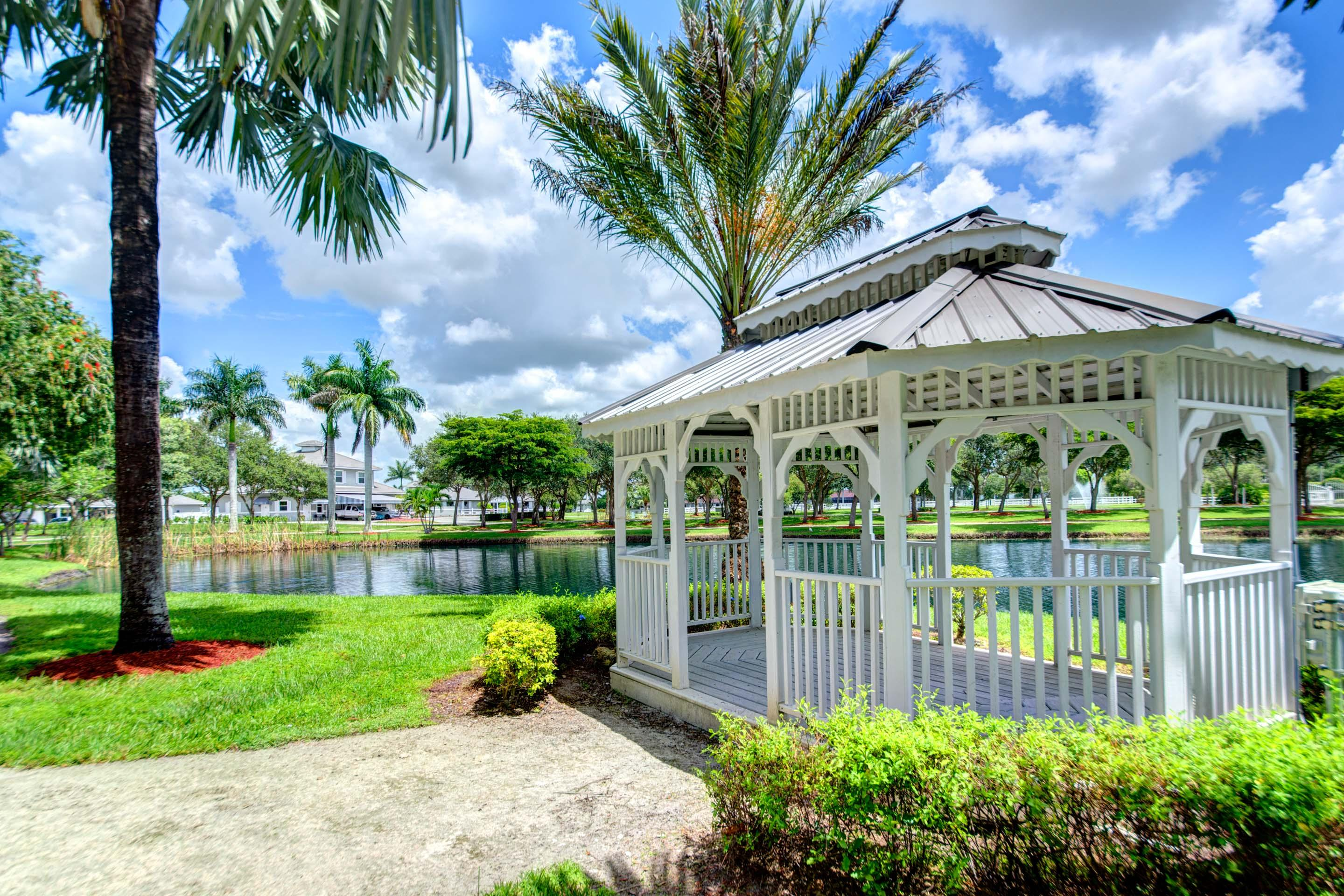 4481 Garden Point Trail, Wellington, Florida 33414, 2 Bedrooms Bedrooms, ,5.1 BathroomsBathrooms,Single Family,For Sale,PALM BEACH POINT,Garden Point,RX-10500876