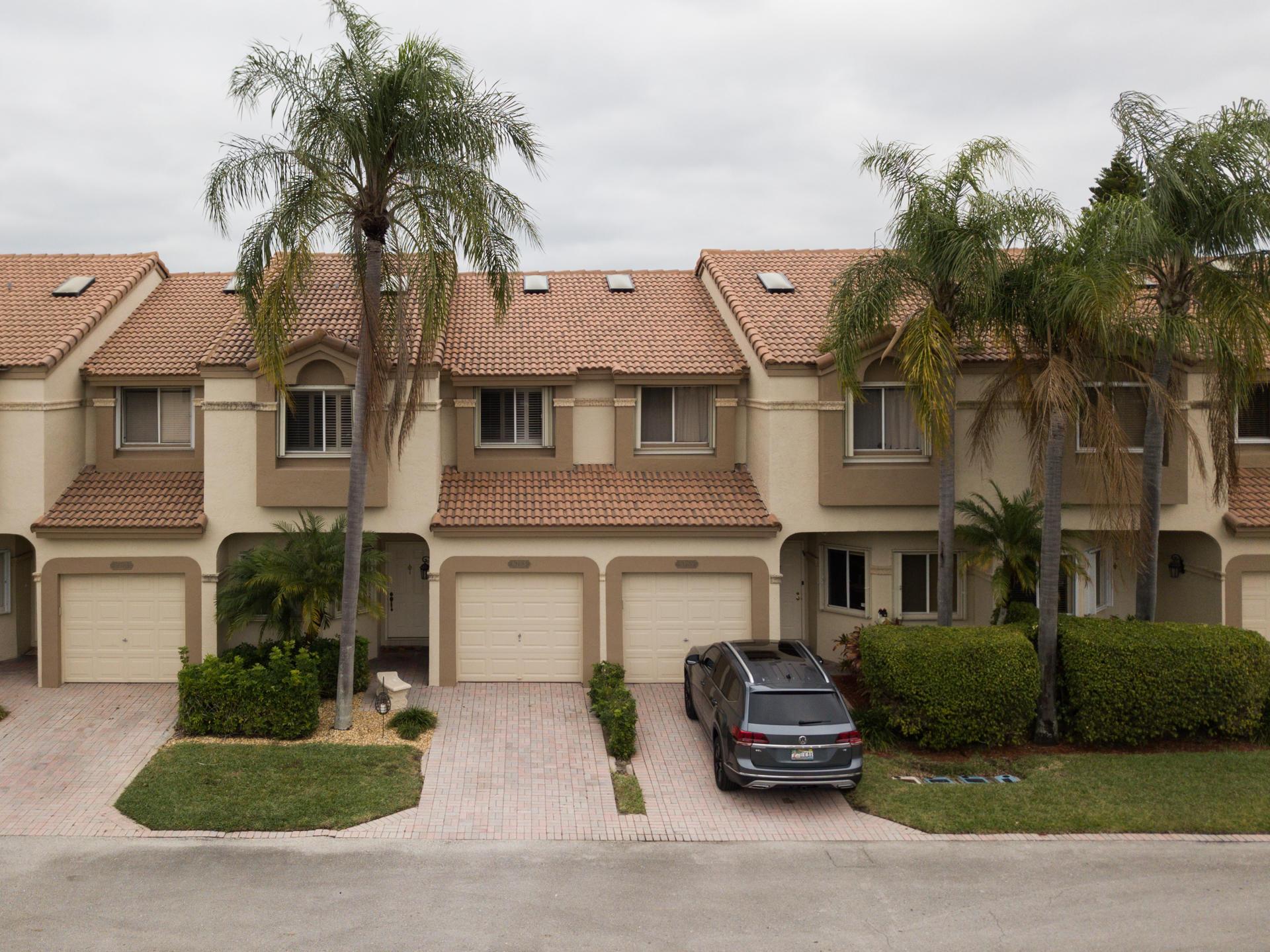 6783 Via Regina Boca Raton, FL 33433