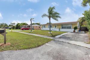 9397 Bellewood Street, Palm Beach Gardens, FL 33410