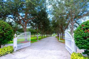 4545 Garden Point Trail, Wellington, FL 33414