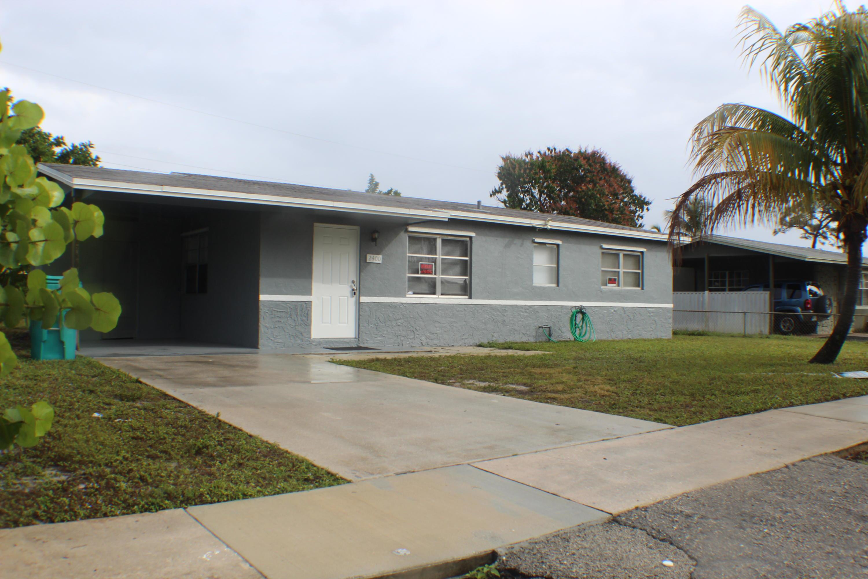 2400 1st Street, Boynton Beach, Florida 33435, 3 Bedrooms Bedrooms, ,1 BathroomBathrooms,Single Family,For Sale,1st,RX-10501196