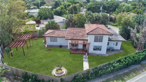118 S Swinton Circle, Delray Beach, FL 33444