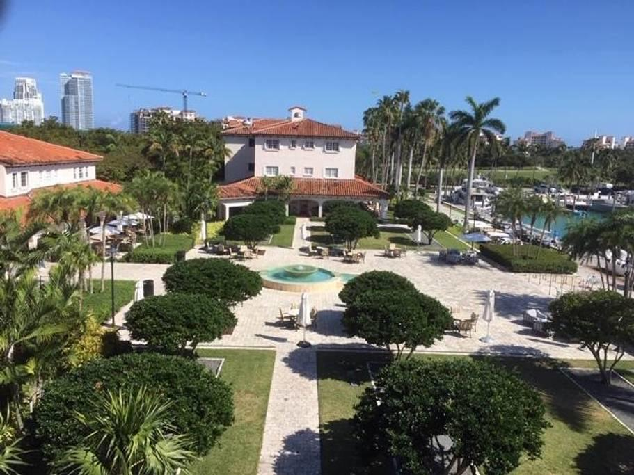 Image 2 For 42302 Fisher Island Drive 42302