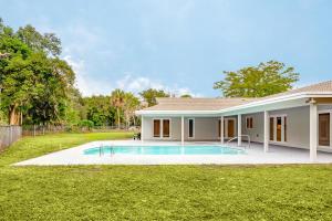 6957 Corto Circle, Boca Raton, FL 33433