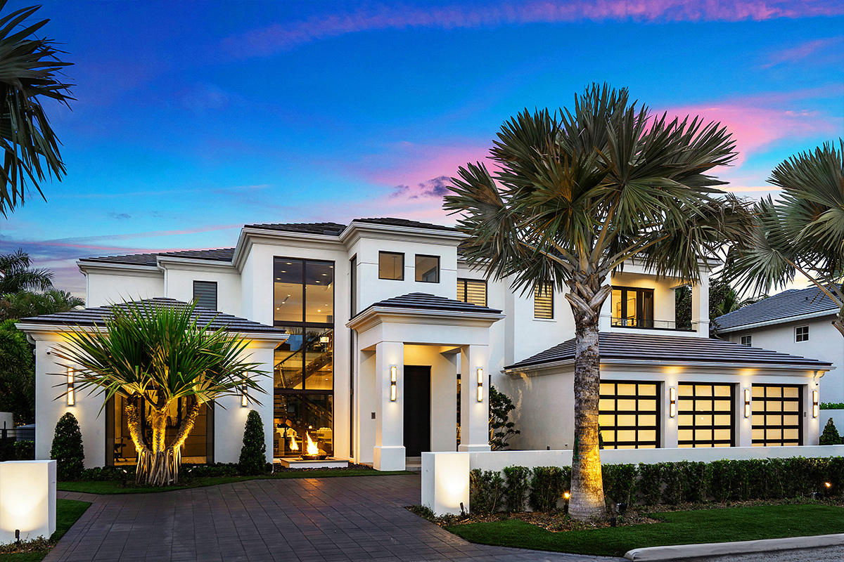 271 Coconut Palm Road - 5/5 in Royal Palm Yacht & Country Club