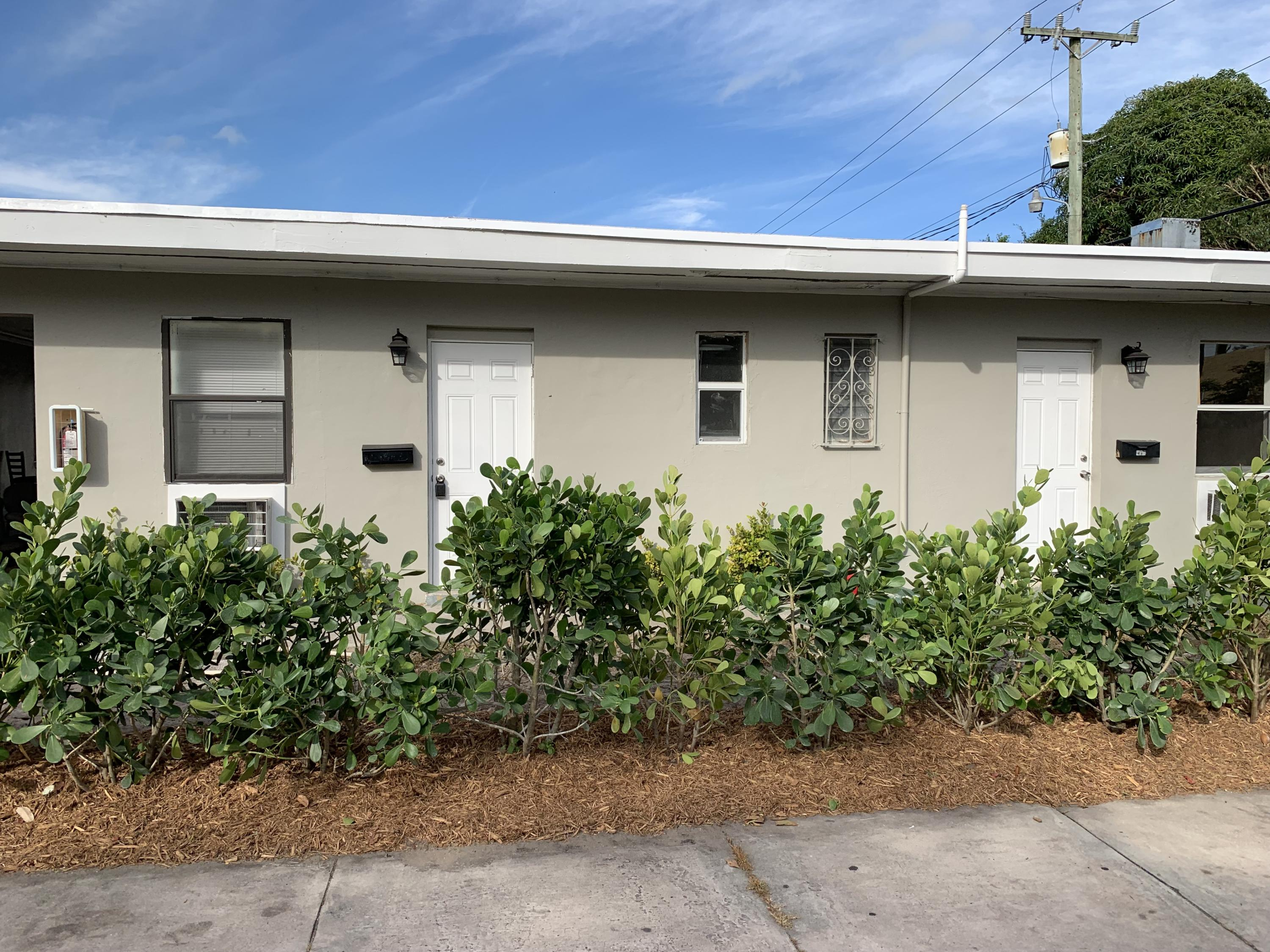 3300 Broadway Avenue, West Palm Beach, Florida 33407, 1 Bedroom Bedrooms, ,1 BathroomBathrooms,Apartment,For Rent,Broadway,1,RX-10501681