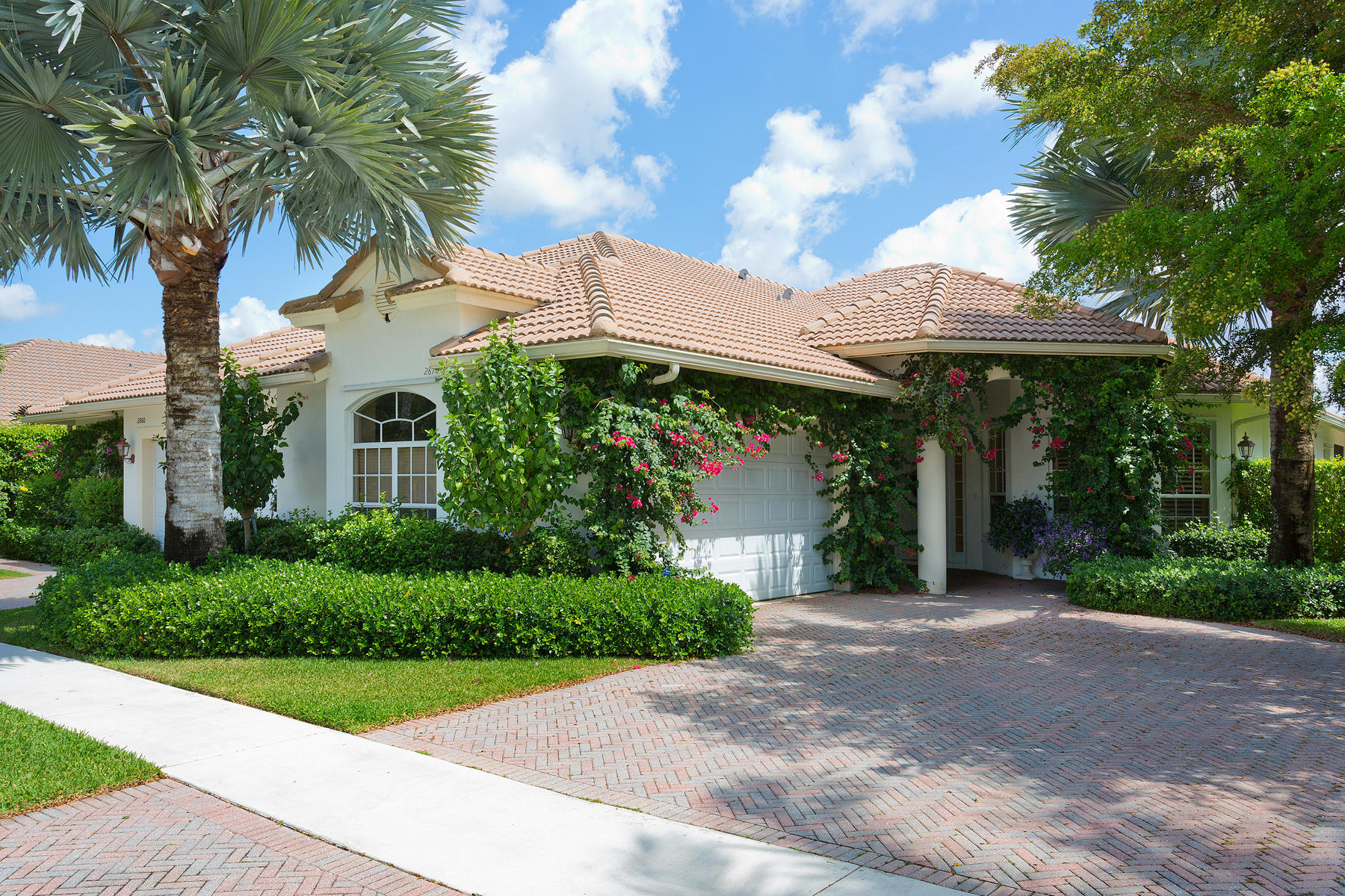 2870 Twin Oaks Way, Wellington, Florida 33414, 3 Bedrooms Bedrooms, ,3 BathroomsBathrooms,Villa,For Sale,Palm Beach Polo,Twin Oaks,RX-10502348