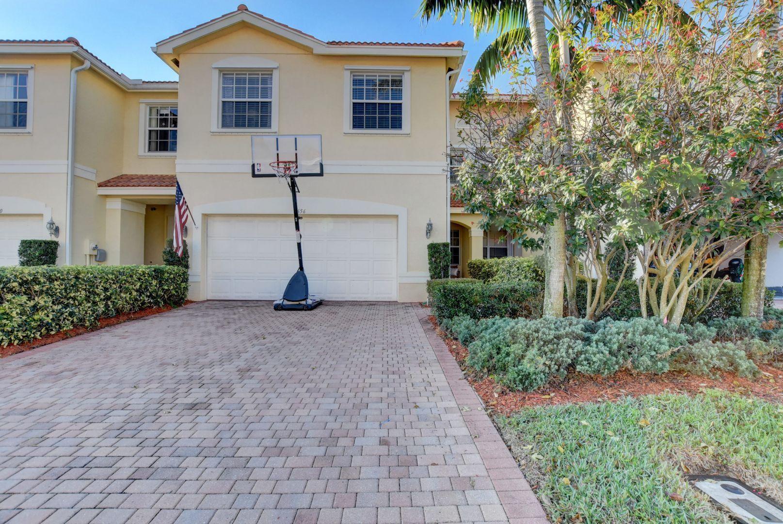 7656 Spatterdock Drive, Boynton Beach, Florida 33437, 4 Bedrooms Bedrooms, ,2.1 BathroomsBathrooms,Townhouse,For Sale,GREYSTONE,Spatterdock,RX-10502335