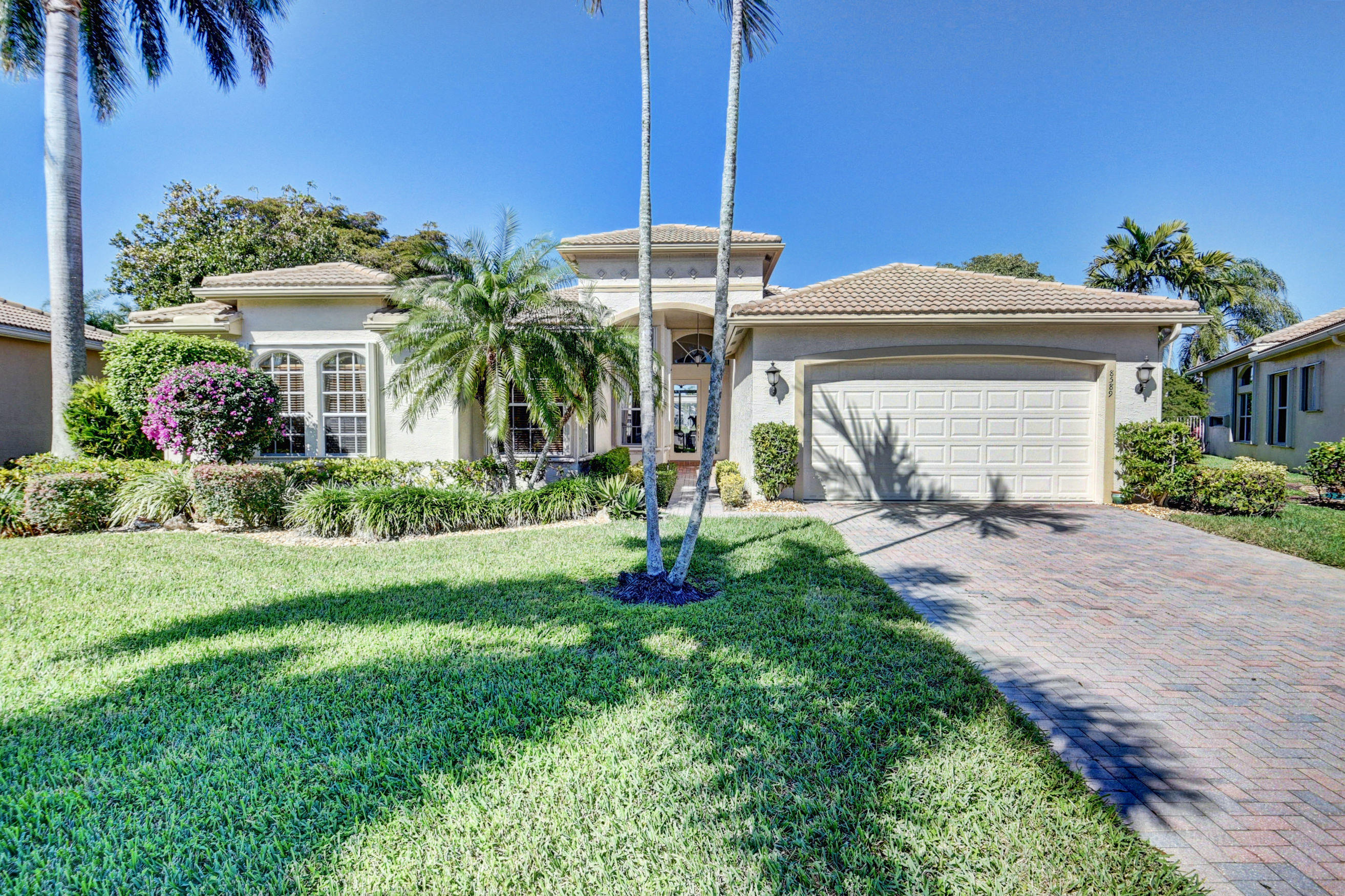 8589 Vintage Reserve Terrace, Lake Worth, Florida 33467, 4 Bedrooms Bedrooms, ,2.1 BathroomsBathrooms,Single Family,For Sale,VALENCIA SHORES,Vintage Reserve,RX-10502645