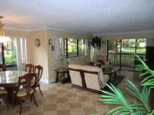 563 Brackenwood Place, Palm Beach Gardens, FL 33418