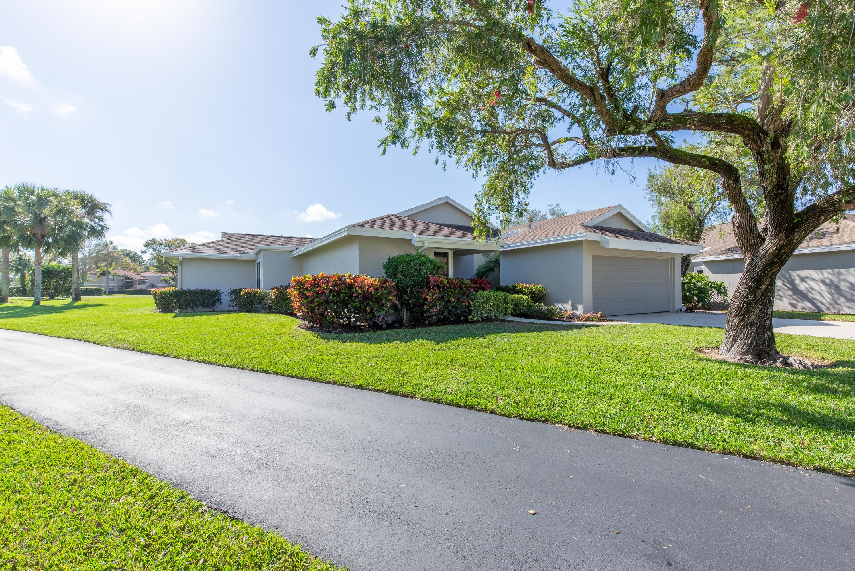 6746 Touchstone Circle, West Palm Beach, Florida 33418, 3 Bedrooms Bedrooms, ,2 BathroomsBathrooms,Single Family,For Sale,Touchstone,RX-10503265