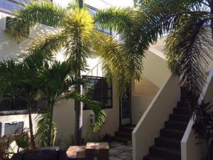 233 Royal Poinciana Way Palm Beach FL 33480
