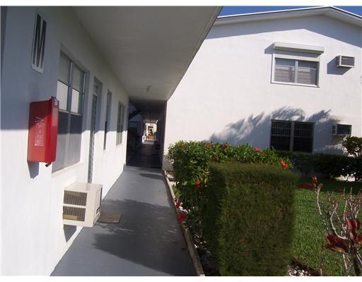123 Camden F, West Palm Beach, Florida 33417, 1 Bedroom Bedrooms, ,1 BathroomBathrooms,Condo/Coop,For Rent,Camden F,1,RX-10503582