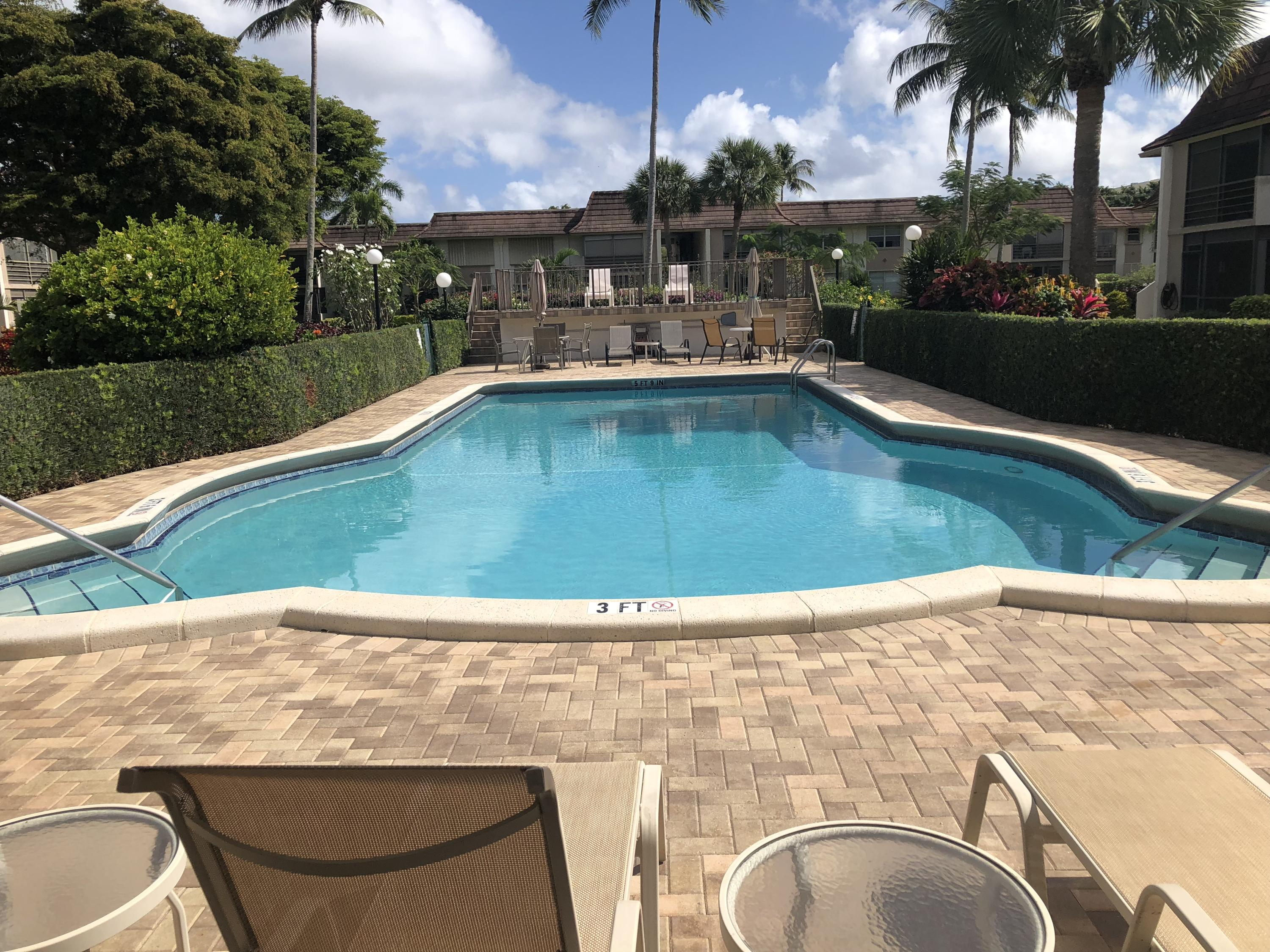 1050 13th Street, Boca Raton, Florida 33486, 2 Bedrooms Bedrooms, ,2 BathroomsBathrooms,Condo/Coop,For Sale,Boca Linda East,13th,2,RX-10503637