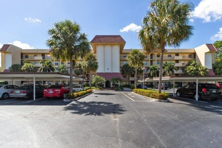 9260 14th Street, Boca Raton, Florida 33428, 2 Bedrooms Bedrooms, ,2.1 BathroomsBathrooms,Condo/Coop,For Sale,Patios of Boca Barwood,14th,3,RX-10503907