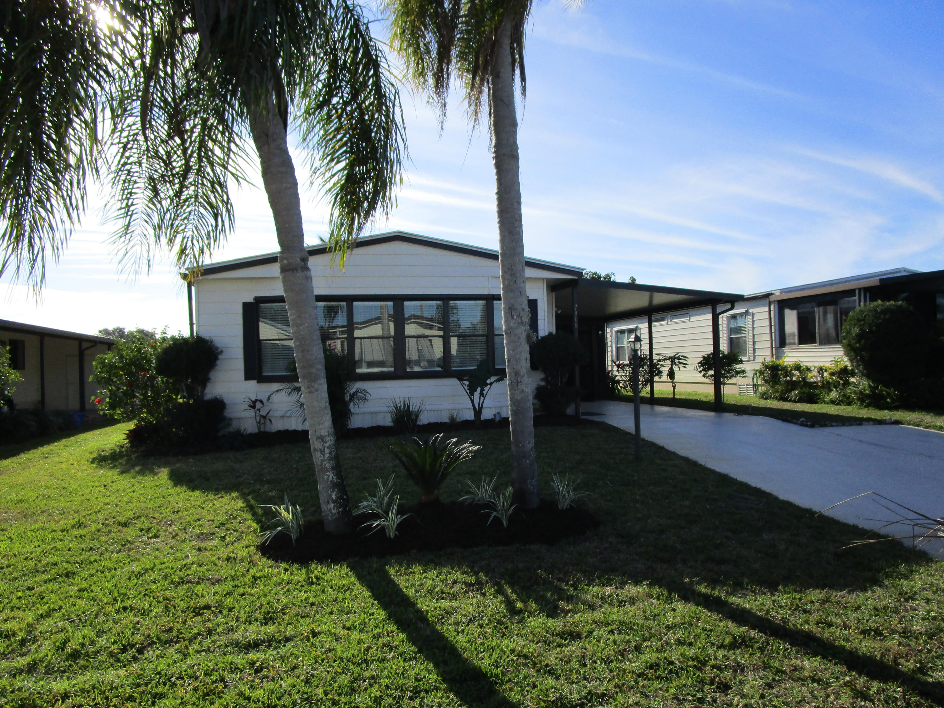7908 Continental Drive, Hobe Sound, Florida 33455, 2 Bedrooms Bedrooms, ,2 BathroomsBathrooms,Mobile/manufactured,For Sale,Continental,RX-10502250