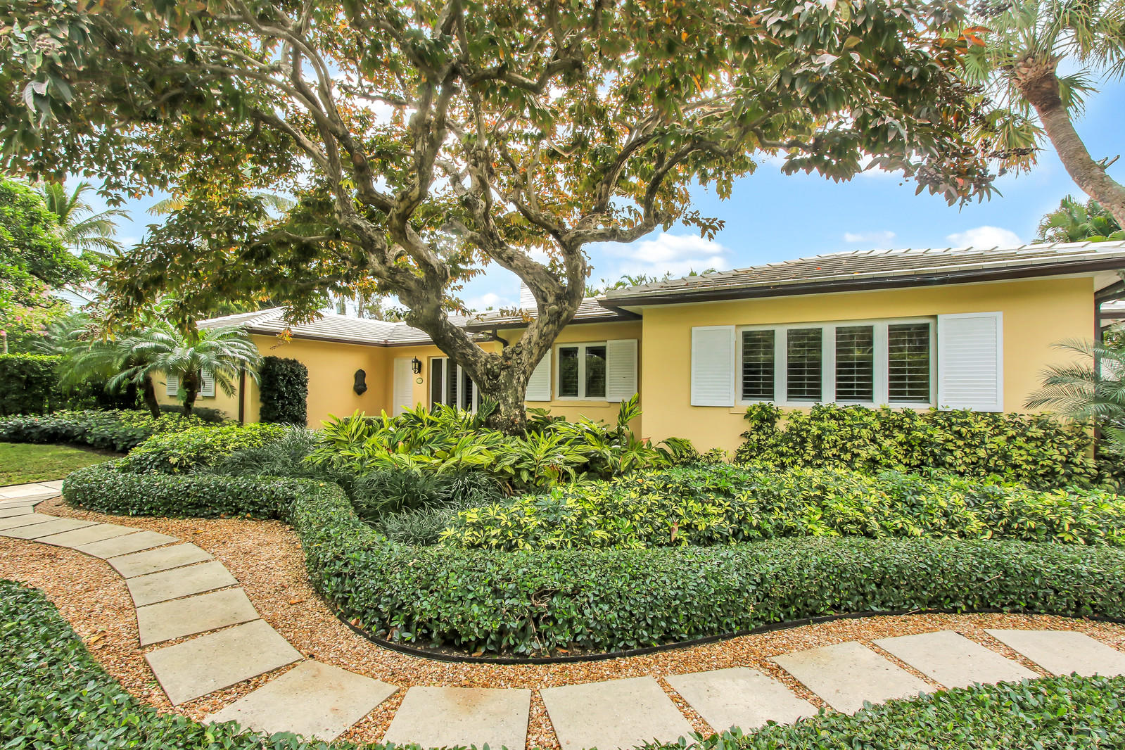 274 Monterey Road, Palm Beach, Florida 33480, 3 Bedrooms Bedrooms, ,3 BathroomsBathrooms,Single Family,For Sale,Monterey,RX-10504544