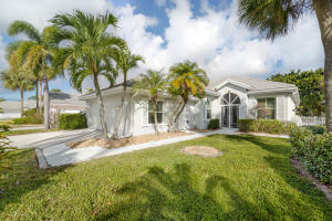 7571 SE Bay Cedar Circle, Hobe Sound, FL 33455
