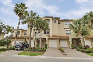 4710 Artesa Way E, Palm Beach Gardens, FL 33418