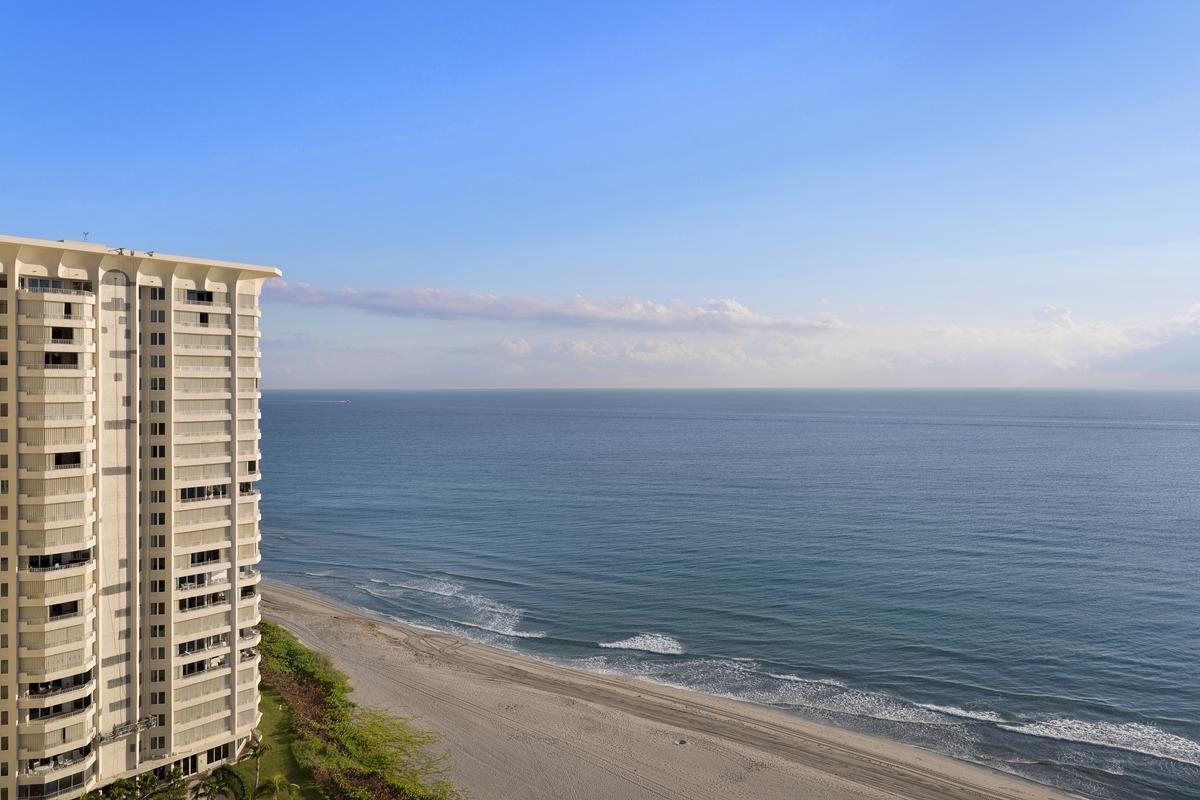 550 Ocean Boulevard, Boca Raton, Florida 33432, 2 Bedrooms Bedrooms, ,2 BathroomsBathrooms,Condo/Coop,For Sale,CHALFONTE,Ocean,19,RX-10479291