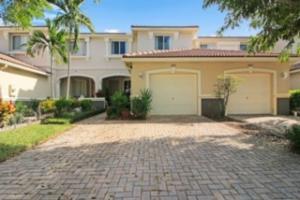 2029 Oakhurst Way, Riviera Beach, FL 33404