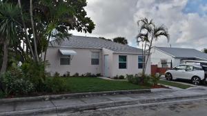 825 W 3rd Street, Riviera Beach, FL 33404