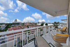 250 Bradley Place Palm Beach FL 33480