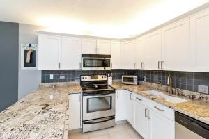 1420 14th Terrace, Palm Beach Gardens, FL 33418